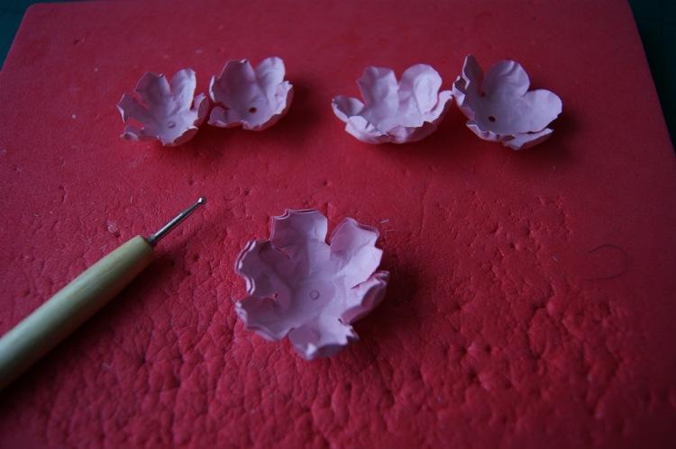 Цветы из офисной бумаги мастер класс