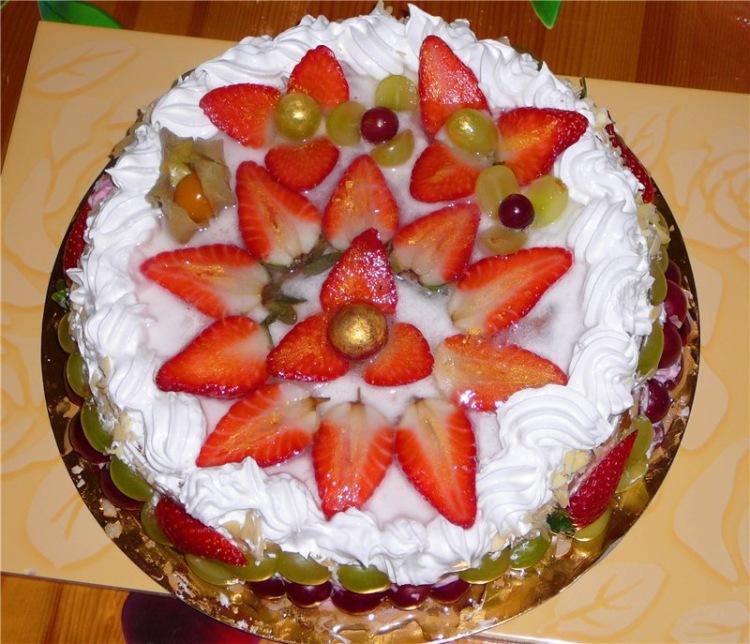 Украсить торт в домашних условиях фруктами